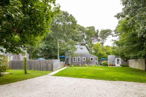 17 Bay View Avenue Oak Bluffs MA 02557
