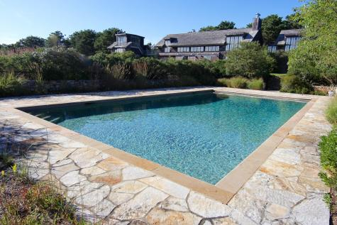 8 Oyster Pond Road Edgartown MA 02539