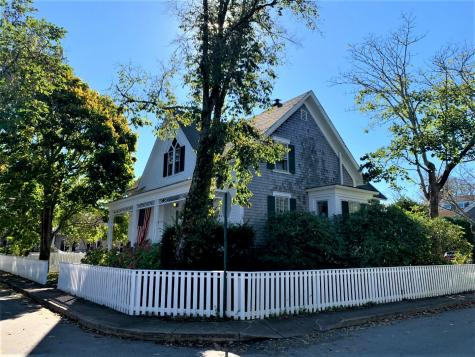 32 Cottage Street Edgartown MA 02539