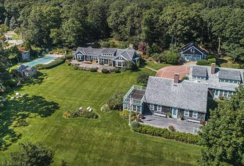 52 Middle Road West Tisbury MA 02575